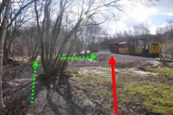 Path – green : ramp to platform arrowed red